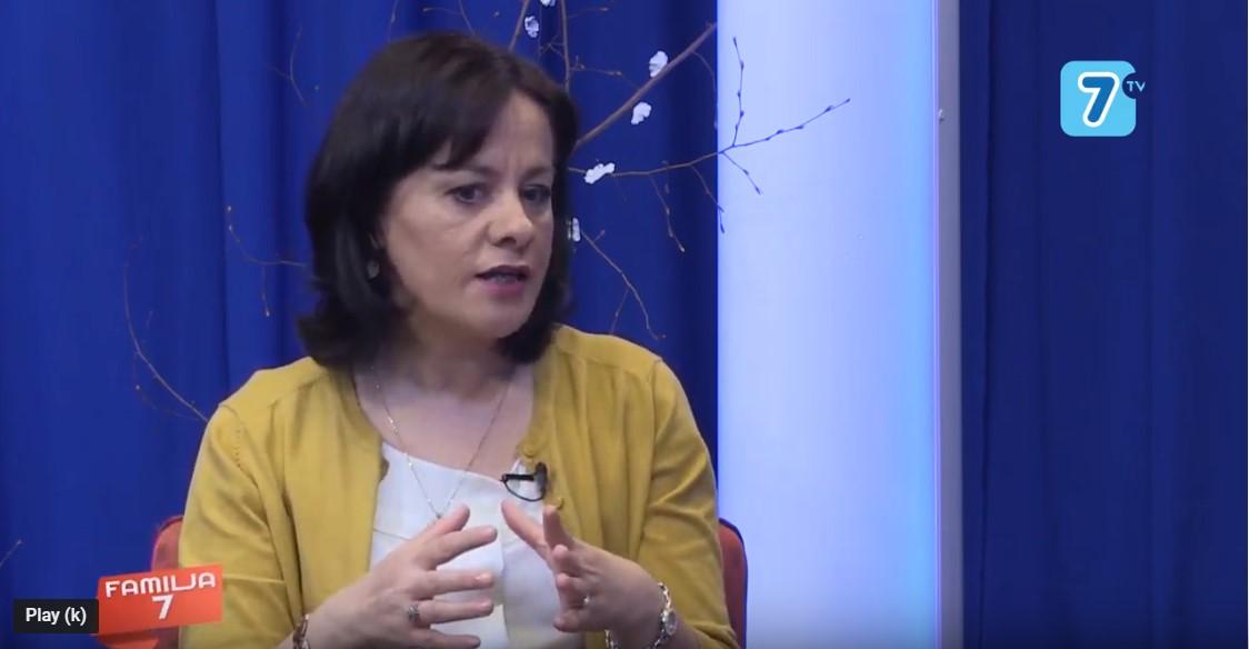 Rreziqet qe i kanosin femijet ne Internet: Interviste ne TV7 Albania