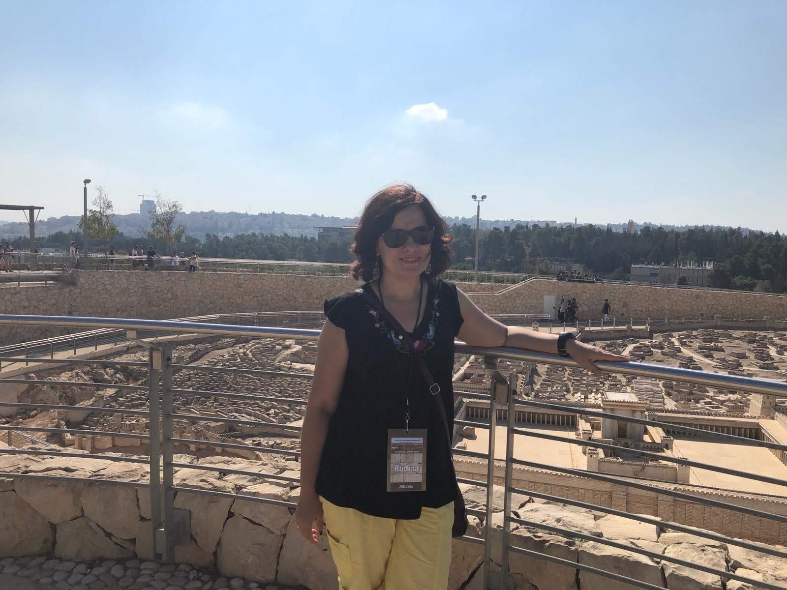 Jeruzalem, qyteti i paqes: Dita e pare